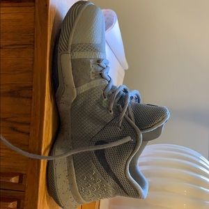 Nike grey boys sneakers